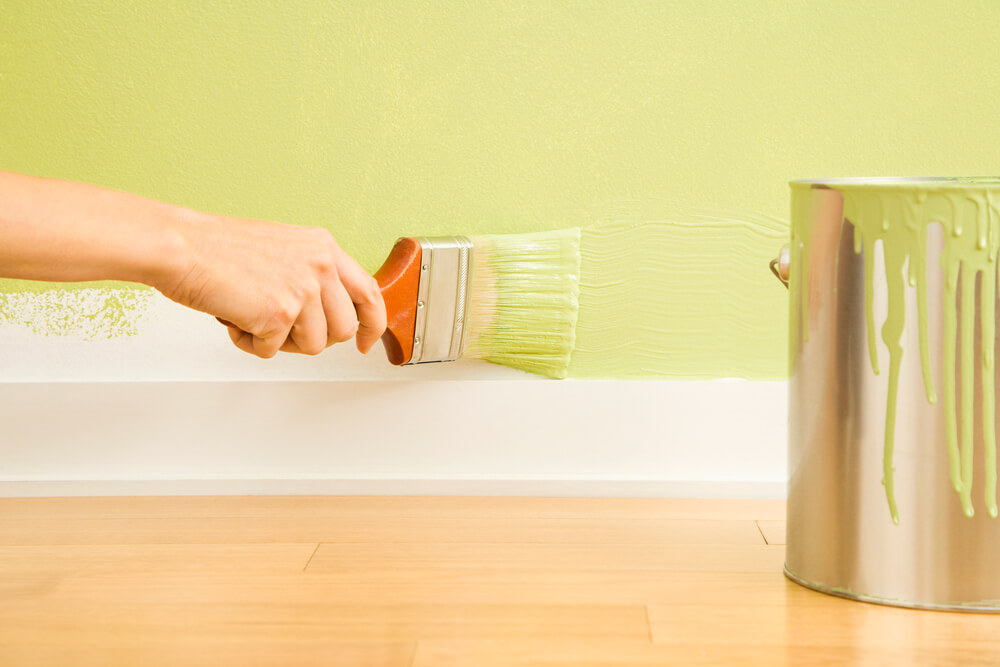 How to Prevent Brush Strokes When Painting Trim